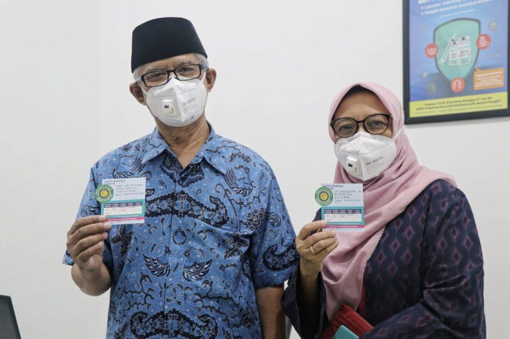 Ketum Muhammadiyah dan Aisyiyah Laksanakan Vaksinasi Covid-19 di RS PKU Jogja