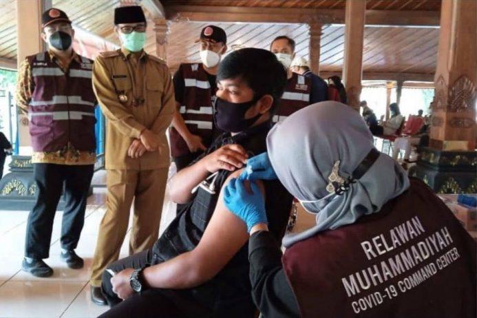 Ikhtiar Menuju Sehat, MCCC Gelar Vaksinasi di Temanggung